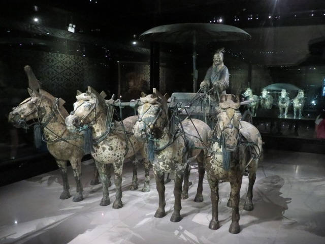 The first funeral chariot.