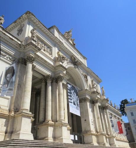 Dr skyskull in rome walking the city skulls in the stars for Palazzo delle esposizioni rome italy